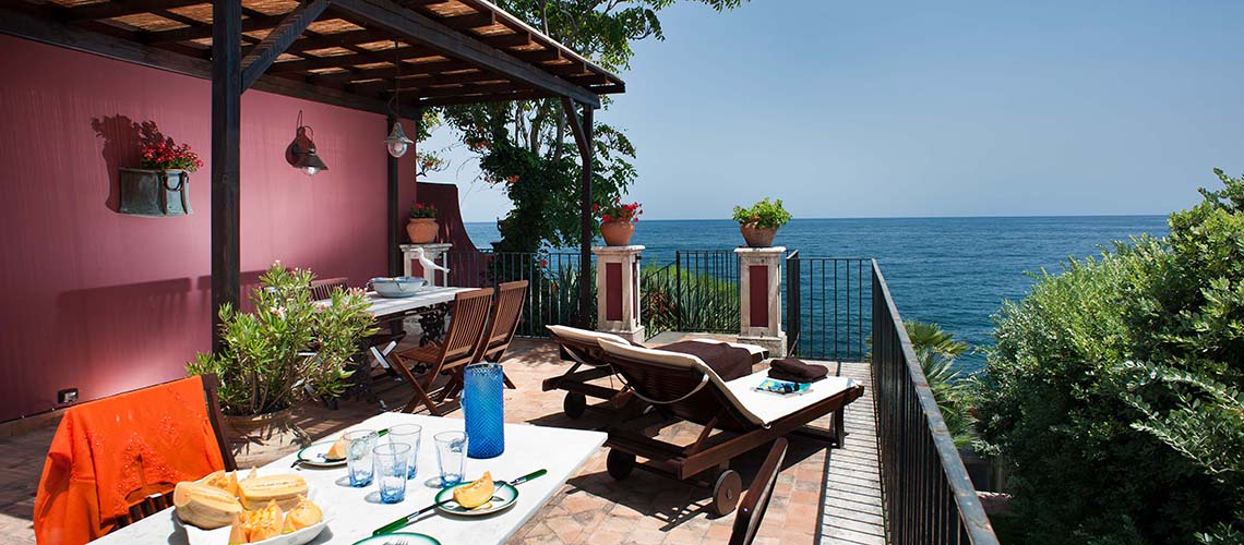 Holiday apartments with sea access, Ionian Coast|Di Casa in Sicilia - 0