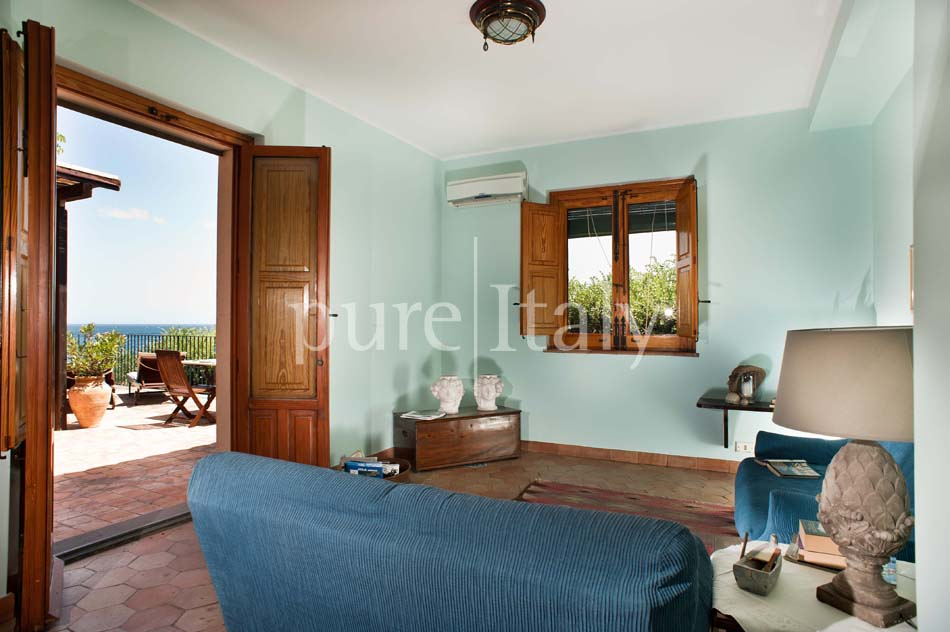 Seaside apartments close to town, east coast of Sicily|Pure Italy - 11