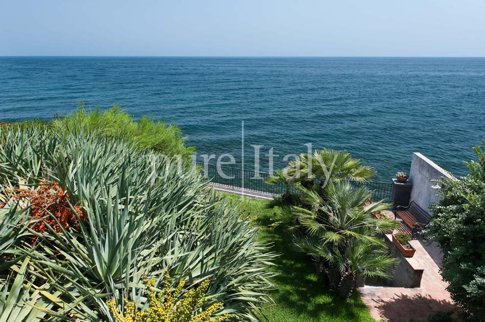 Seaside apartments close to town, east coast of Sicily|Pure Italy - 19