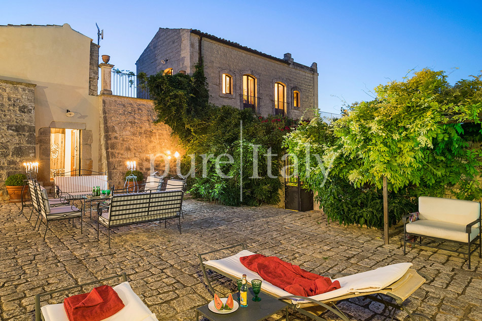 Holiday villas with pool, southeast of Sicily | Pure Italy - 8