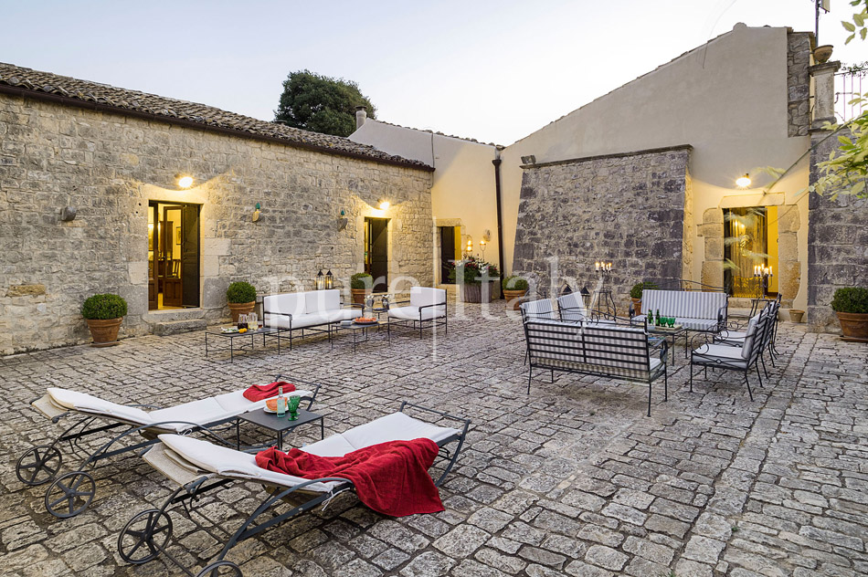 Holiday villas with pool, southeast of Sicily | Pure Italy - 9