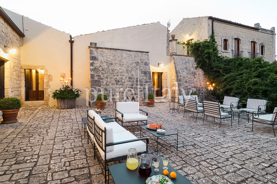 Holiday villas with pool, southeast of Sicily | Pure Italy - 10