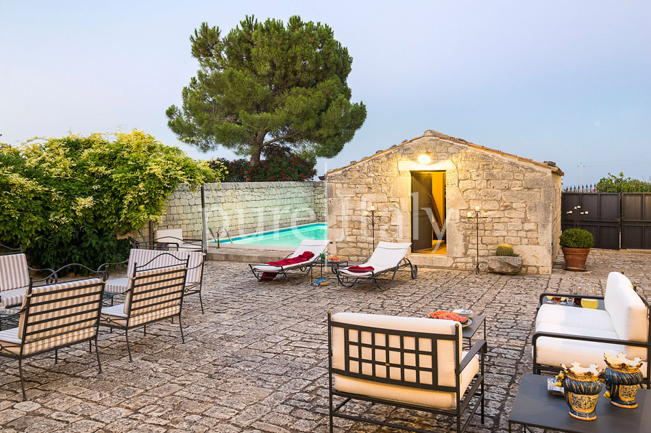 Holiday villas with pool, southeast of Sicily | Pure Italy - 12