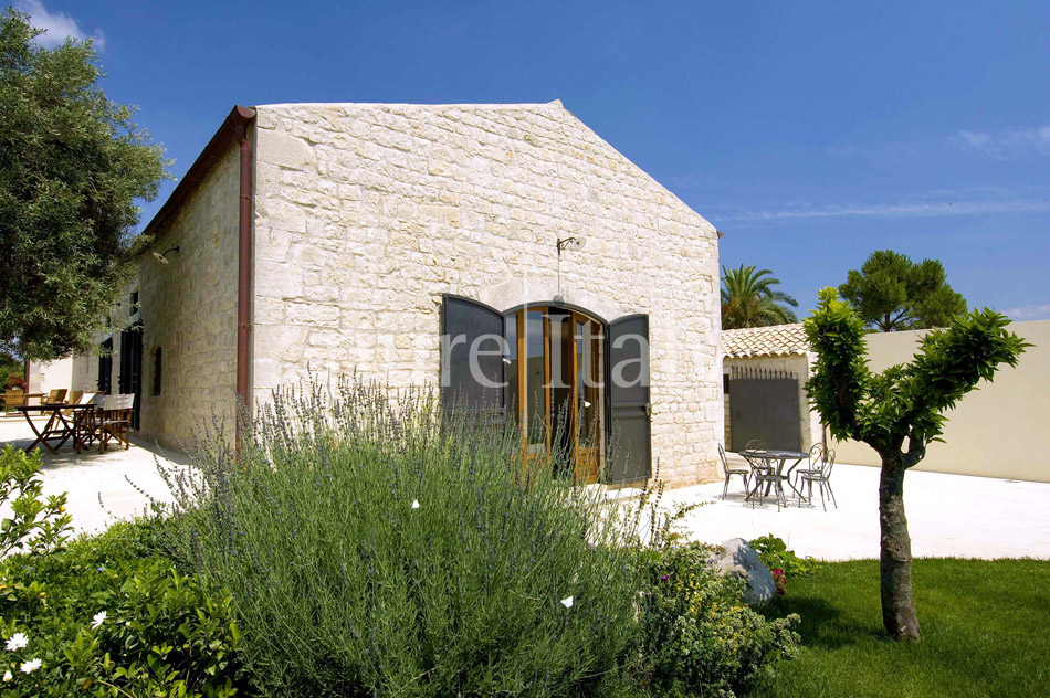 Holiday villas with pool, southeast of Sicily | Pure Italy - 17