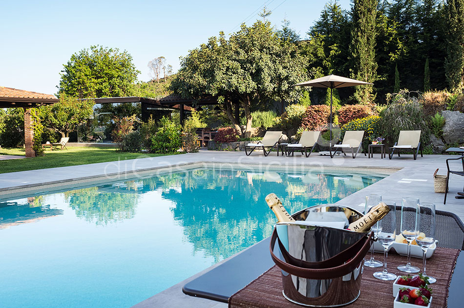 Viagrande Sicily Luxury Villa with Pool for rent on Mount Etna - 9