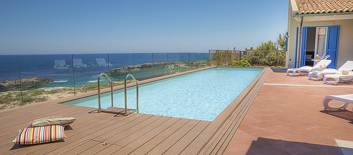 Villa Ala Seafront Villa with Pool for rent in Augusta Sicily - 1