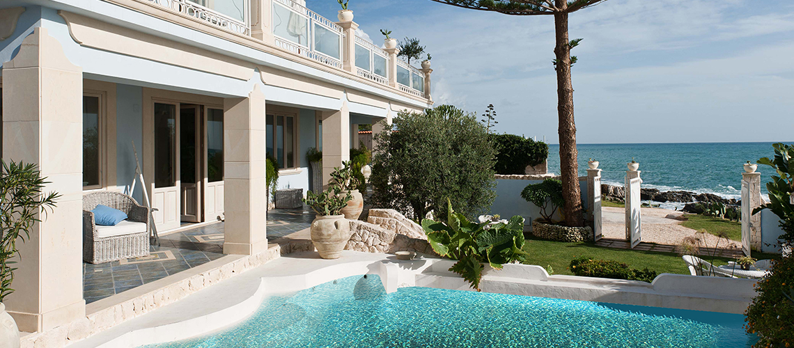 Antares Luxury Seafront Villa with Pool for rent Fontane Bianche Sicily - 0