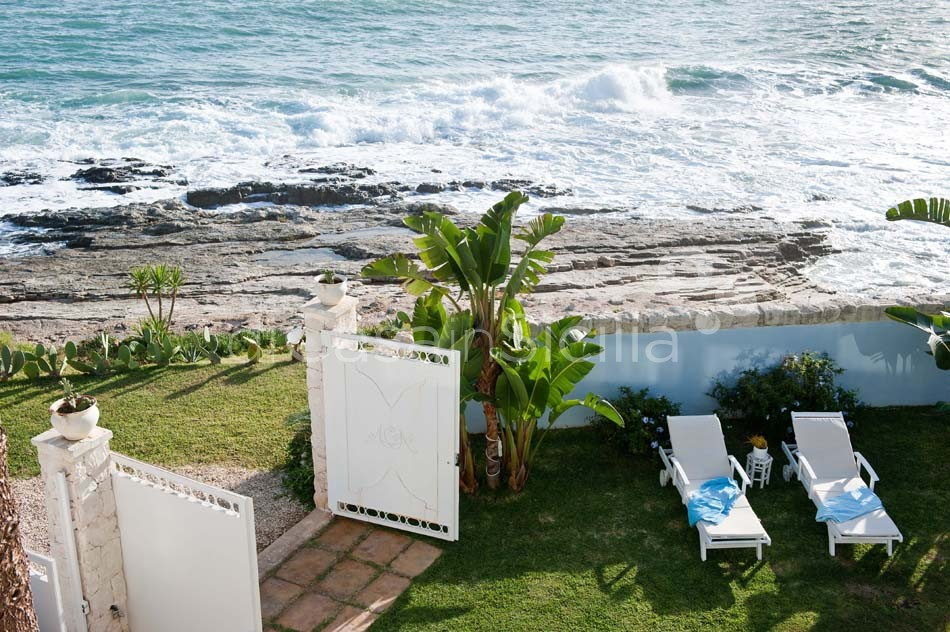 Antares Luxury Seafront Villa with Pool for rent Fontane Bianche Sicily - 5