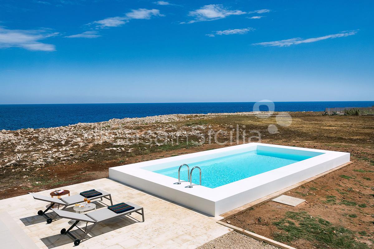 Villa Capo Passero Luxusvilla mit Pool direkt am Meer in Portopalo Sizilien - 0