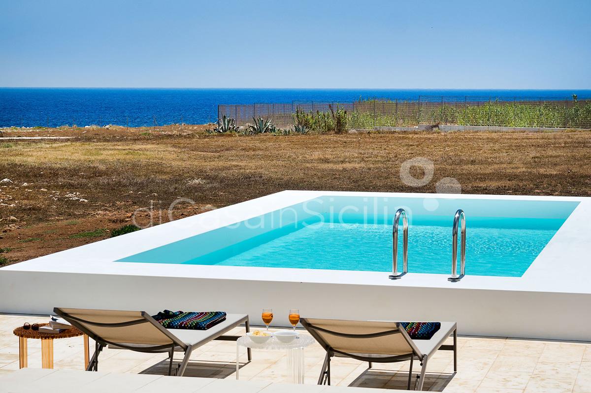 Villa Capo Passero Luxusvilla mit Pool direkt am Meer in Portopalo Sizilien - 2