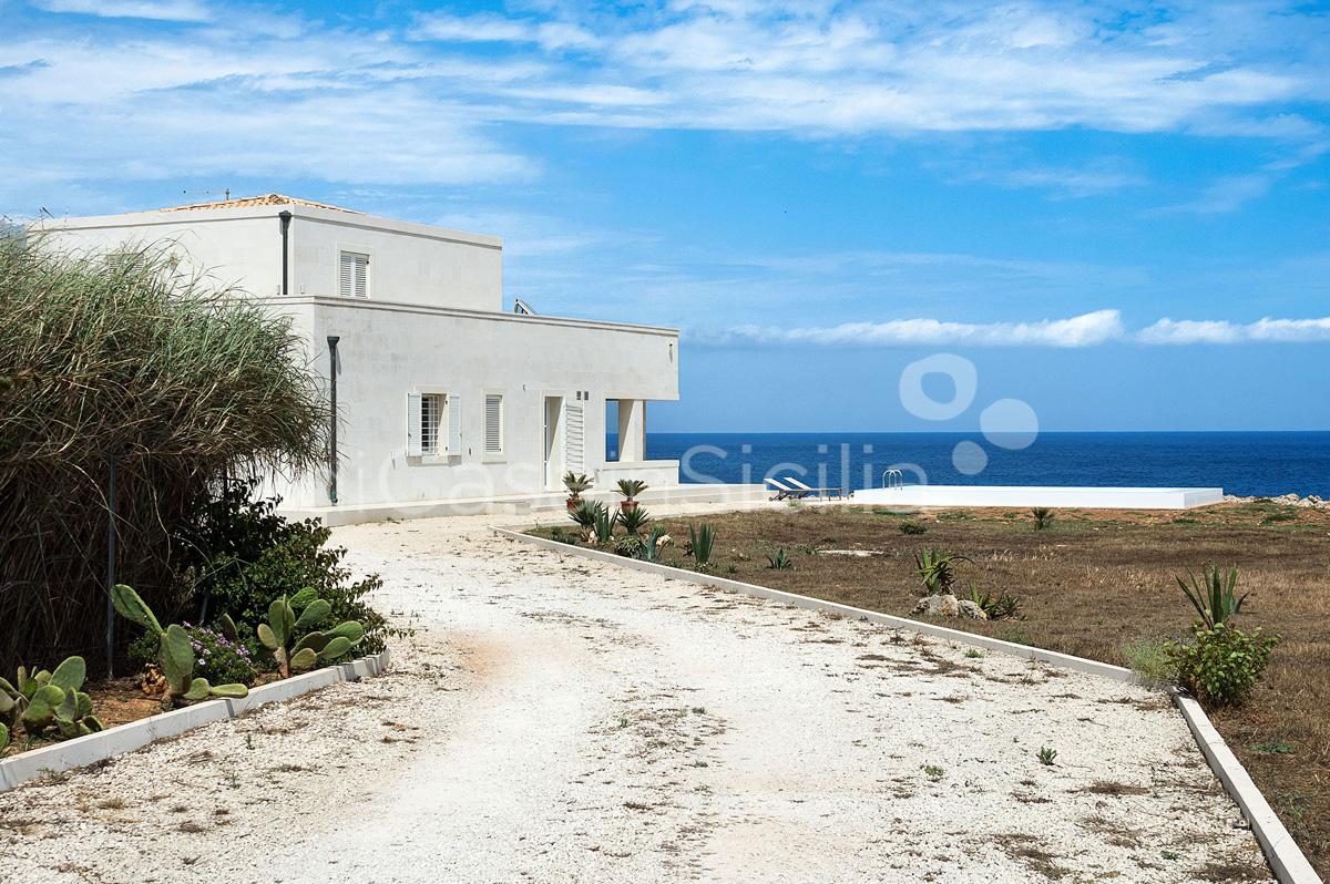 Villa Capo Passero Luxusvilla mit Pool direkt am Meer in Portopalo Sizilien - 11