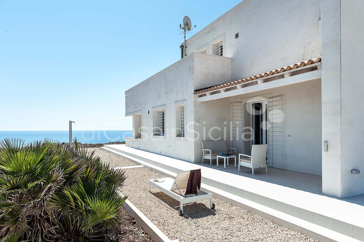 Villa Capo Passero Luxusvilla mit Pool direkt am Meer in Portopalo Sizilien - 12