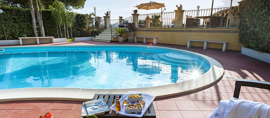 Villa Carolina Familienvilla zur Miete mit Pool mit Whirlpool Noto Sicily  - 0