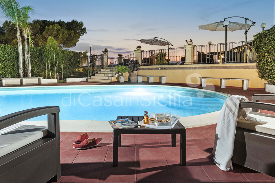 Villa Carolina Family Villa Rental with Pool with Hot Tub Noto Sicily - 6