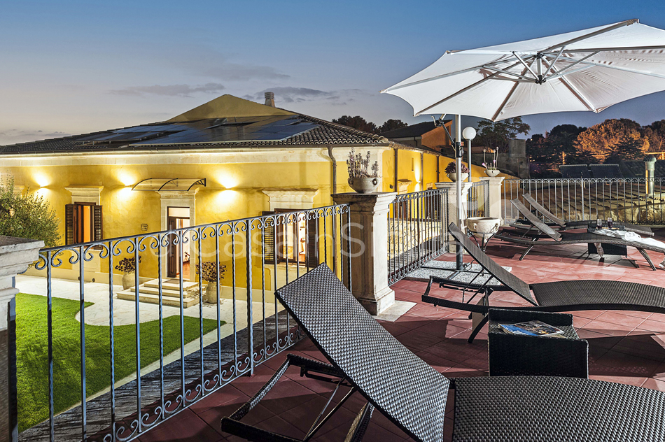 Villa Carolina Family Villa Rental with Pool with Hot Tub Noto Sicily - 7