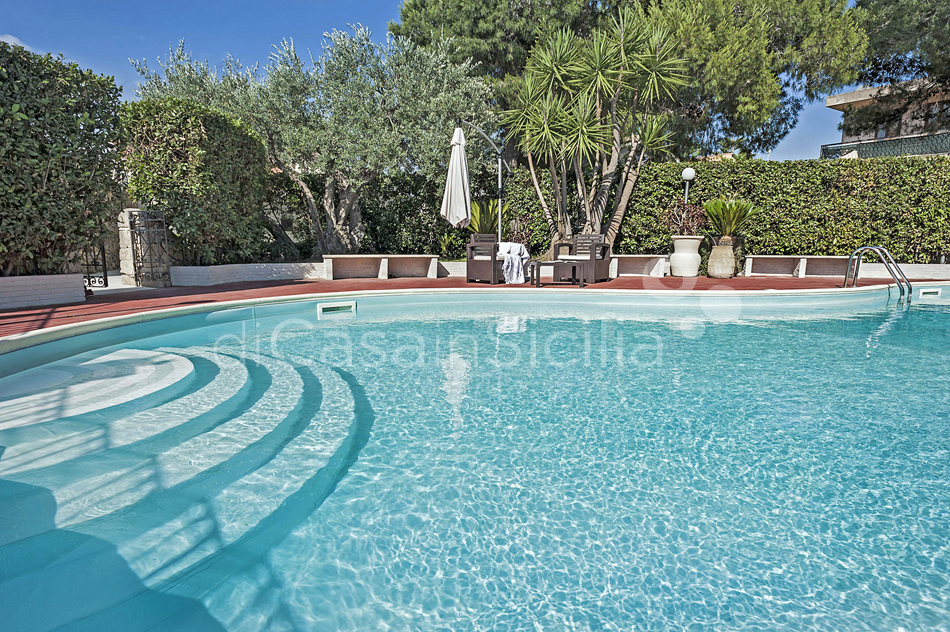 Villa Carolina Family Villa Rental with Pool with Hot Tub Noto Sicily - 13