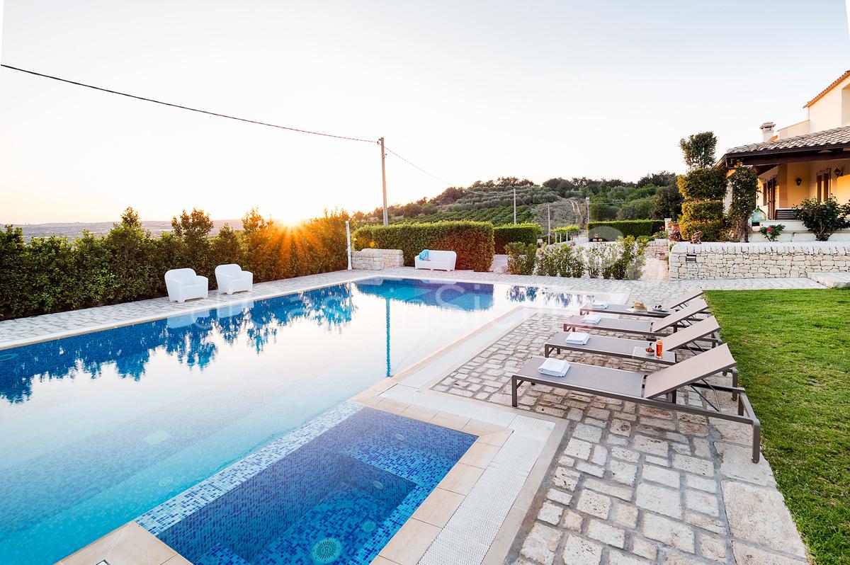 Villa Dora Sicily Villa with Pool with Hot Tub for rent near Noto - 0