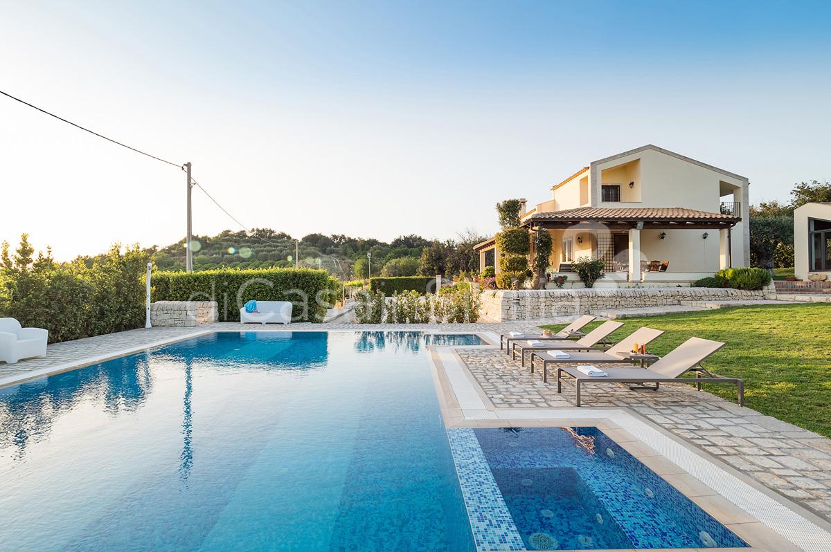 Villa Dora Villa con Piscina con Idromassaggio in affitto Noto Sicilia - 1