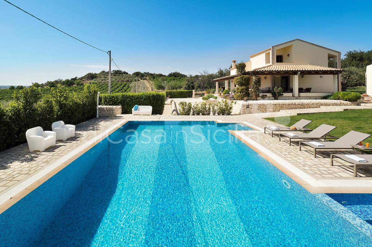 Villa Dora Villa con Piscina con Idromassaggio in affitto Noto Sicilia - 2