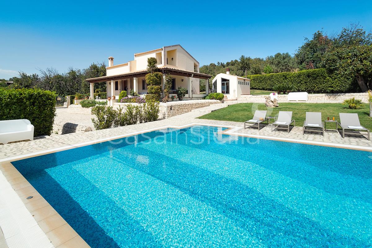 Villa Dora Villa con Piscina con Idromassaggio in affitto Noto Sicilia - 3