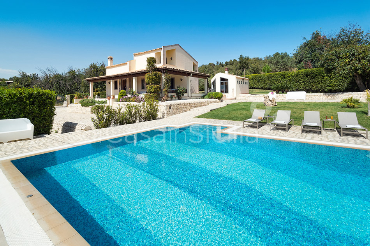 Villa Dora Sicily Villa with Pool with Hot Tub for rent near Noto - 3