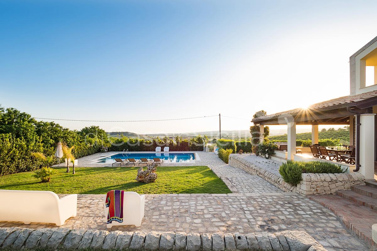 Villa Dora Villa con Piscina con Idromassaggio in affitto Noto Sicilia - 4
