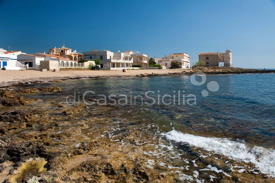 Brezza Marina Seafront Villa for rent near Noto Sicily - 5