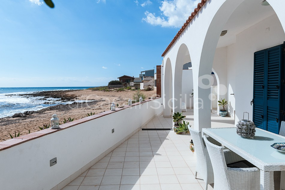 Brezza Marina Seafront Villa for rent near Noto Sicily - 8