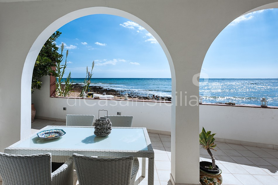 Brezza Marina Seafront Villa for rent near Noto Sicily - 10