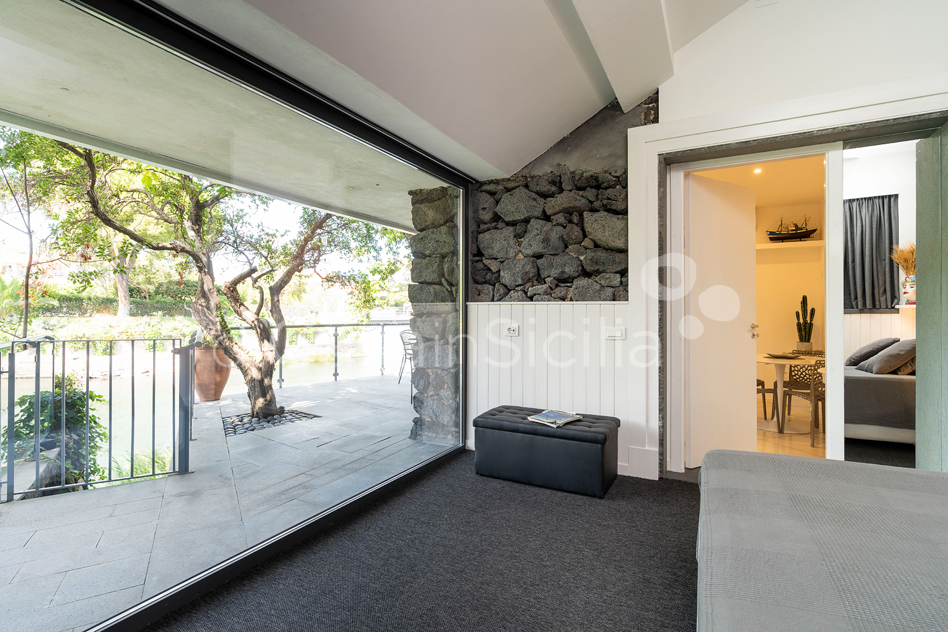 Seafront apartments with pool, Ionian Coast|Di Casa in Sicilia - 19
