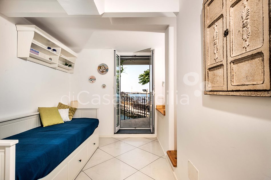 Seafront apartments with pool, Ionian Coast|Di Casa in Sicilia - 20