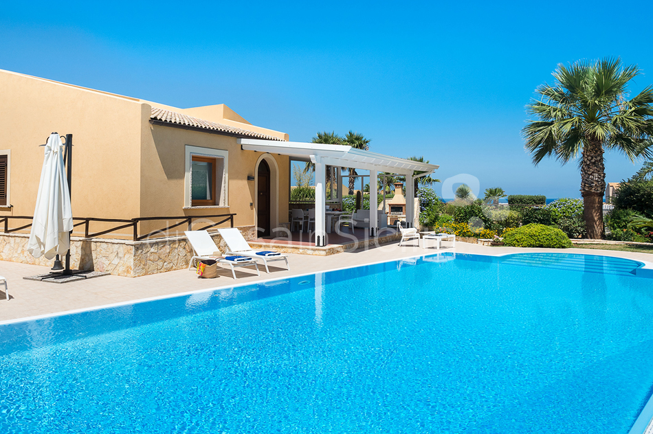 Afrodite Sicily Villa by the sea with Pool for rent in Cornino  - 10