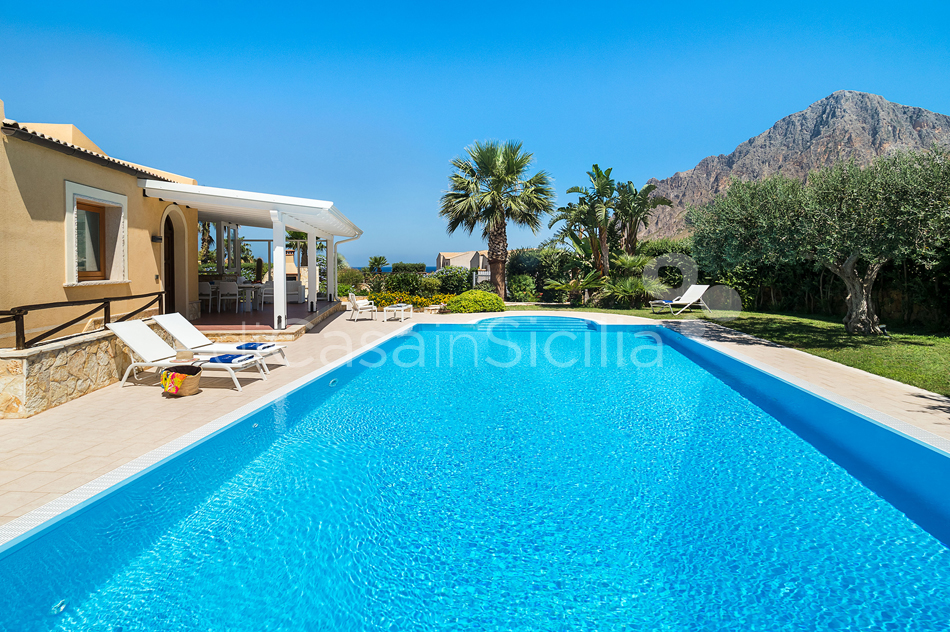Afrodite Sicily Villa by the sea with Pool for rent in Cornino  - 11