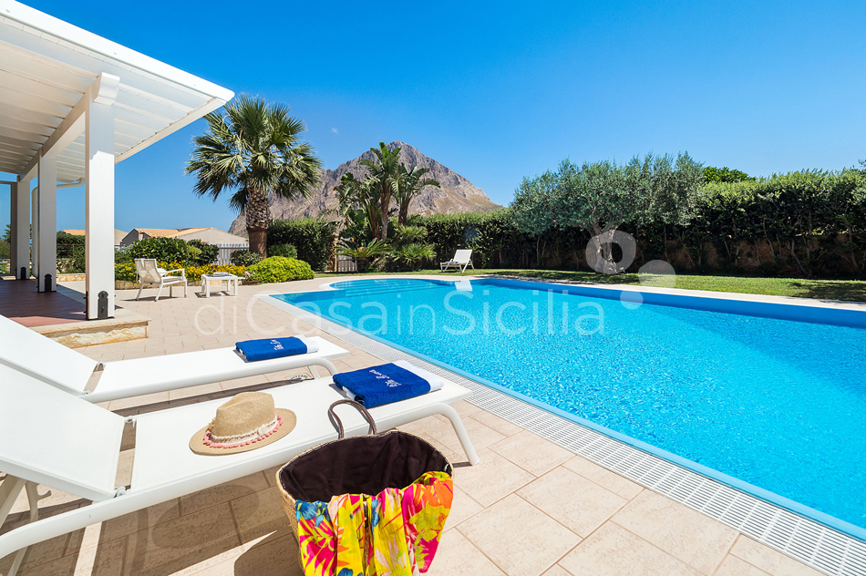 Afrodite Sicily Villa by the sea with Pool for rent in Cornino  - 12