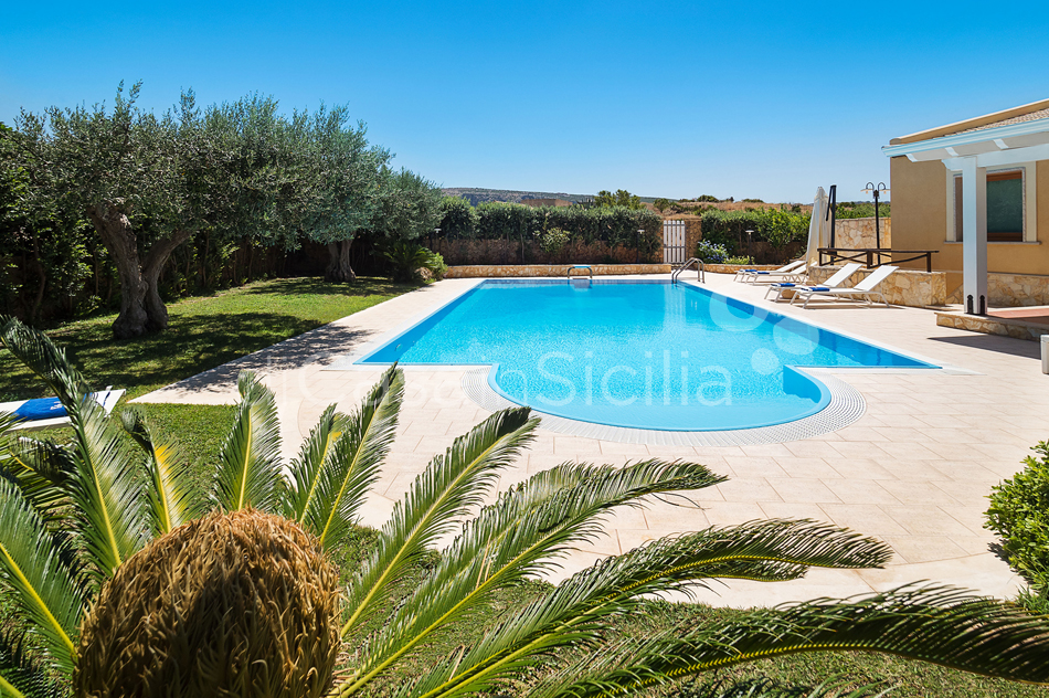Afrodite Sicily Villa by the sea with Pool for rent in Cornino  - 13