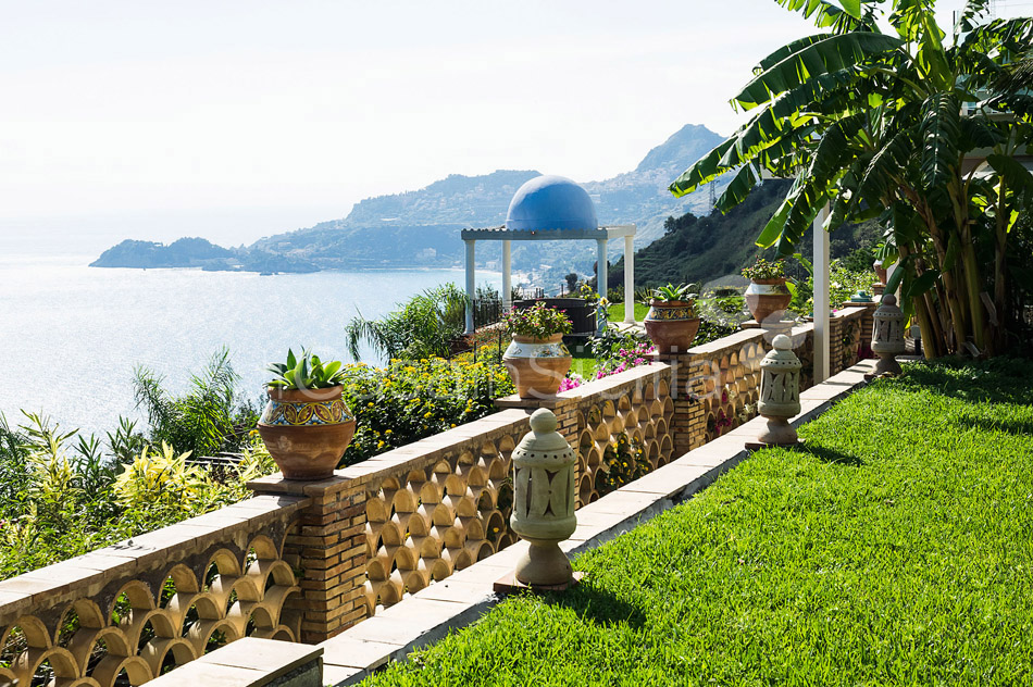 Buena Vista Luxury Seafront Villa with Pool for rent Taormina Sicily - 11