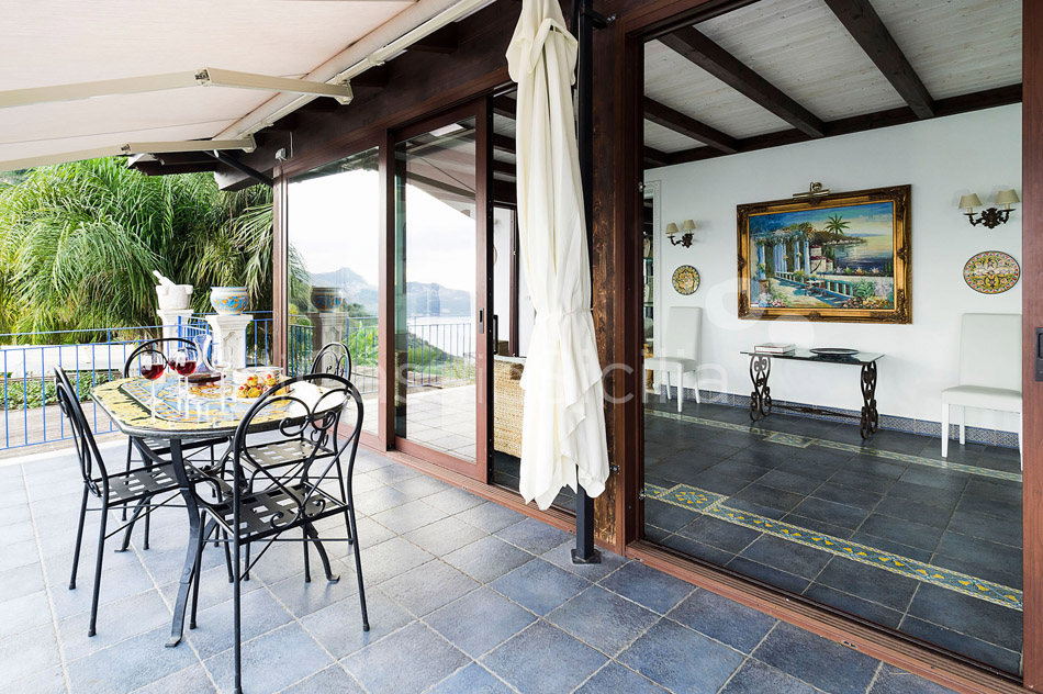 Buena Vista Luxury Seafront Villa with Pool for rent Taormina Sicily - 18
