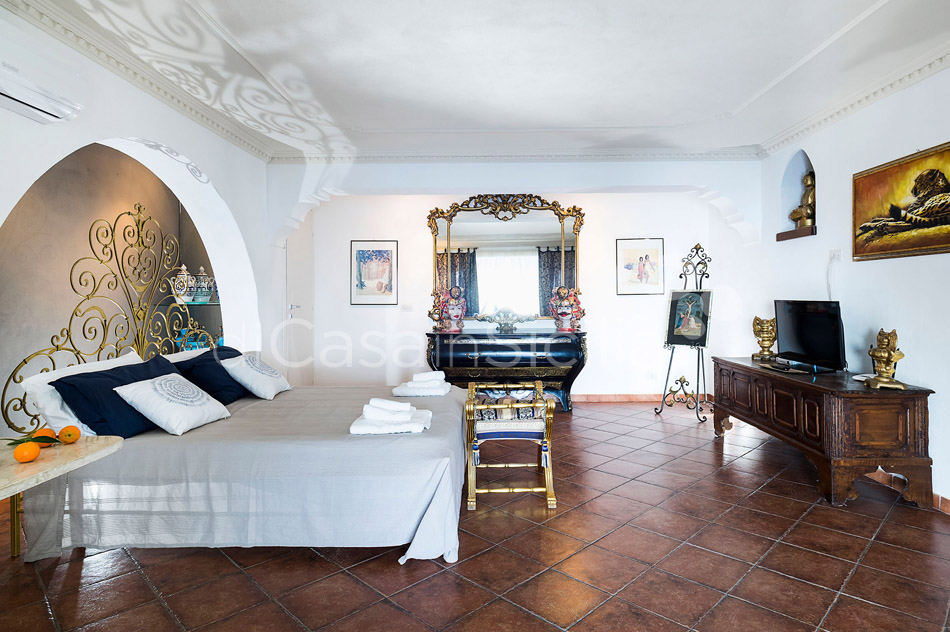 Buena Vista Luxury Seafront Villa with Pool for rent Taormina Sicily - 25