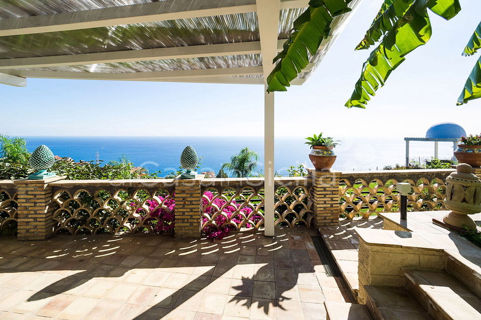 Buena Vista Luxury Seafront Villa with Pool for rent Taormina Sicily - 39