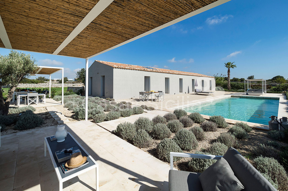 Villa Hybla Sicily Villa Rental with Pool Countryside near Ragusa - 10