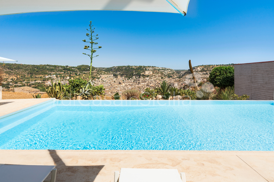 Villa Luna Country Villa Rental with Pool & Jacuzzi Scicli Sicily - 7