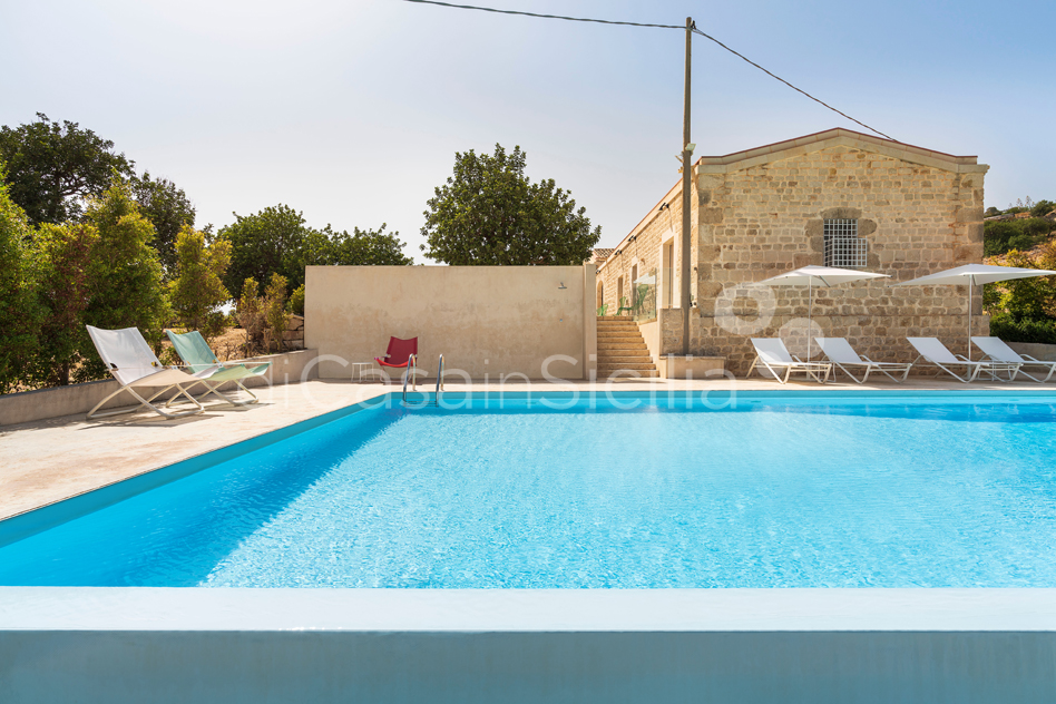 Villa Luna Country Villa Rental with Pool & Jacuzzi Scicli Sicily - 8