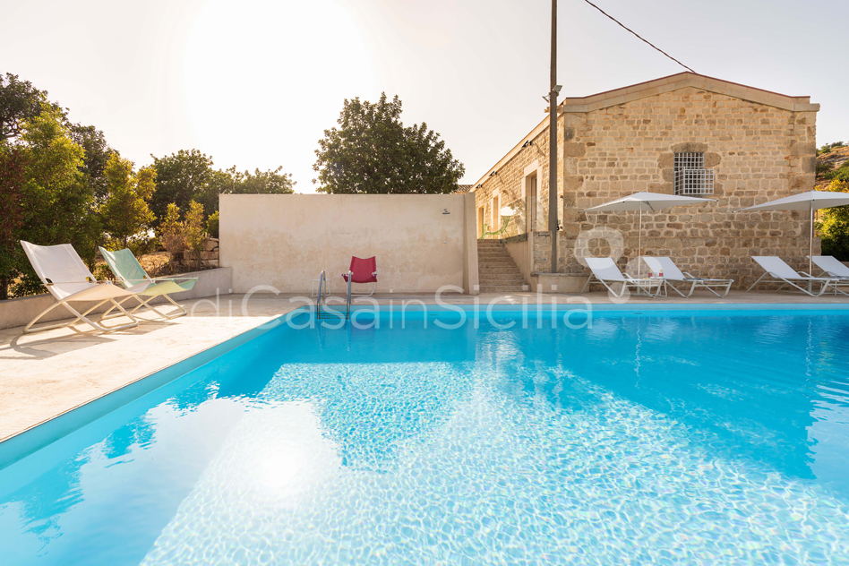Villa Luna Country Villa Rental with Pool & Jacuzzi Scicli Sicily - 9