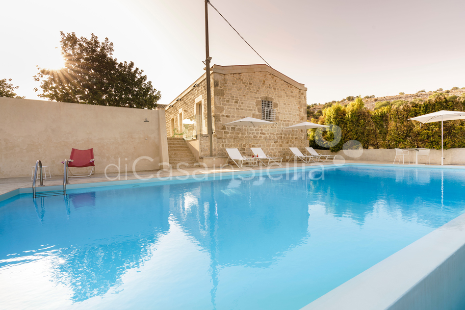 Villa Luna Country Villa Rental with Pool & Jacuzzi Scicli Sicily - 10
