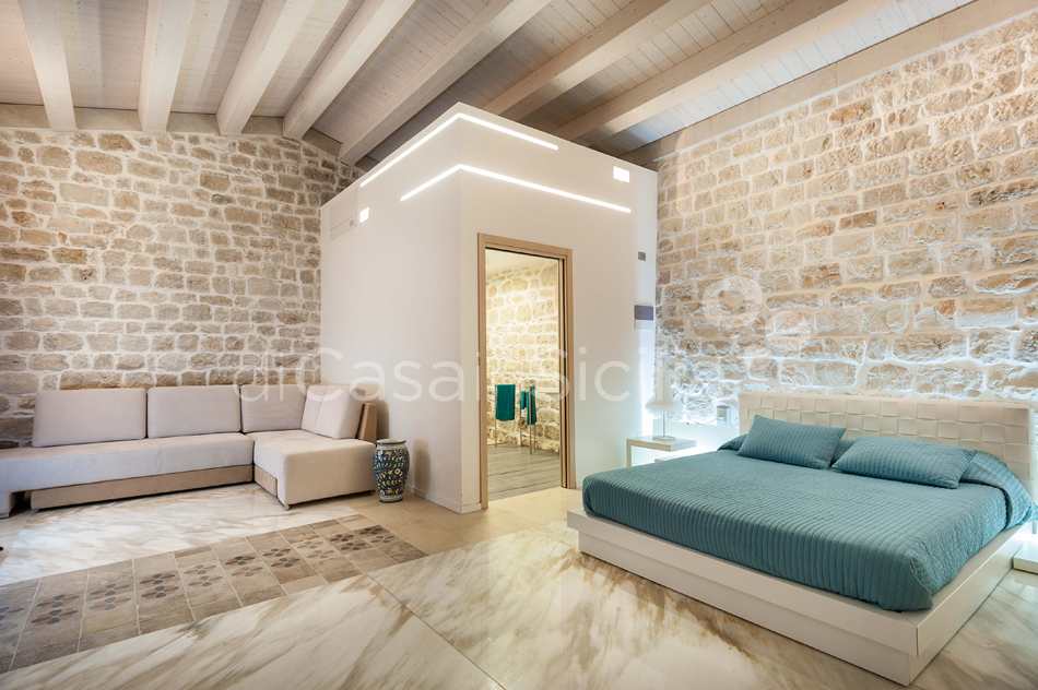 Villa Luna Country Villa Rental with Pool & Jacuzzi Scicli Sicily - 36