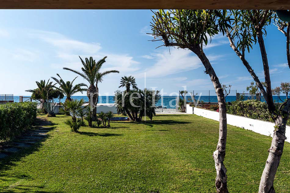 Seaside villas with direct sea access, North-east Sicily|Pure Italy - 9