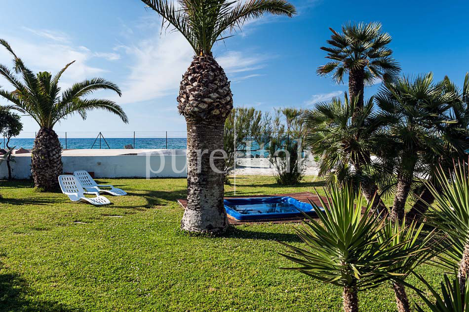 Seaside villas with direct sea access, North-east Sicily|Pure Italy - 10