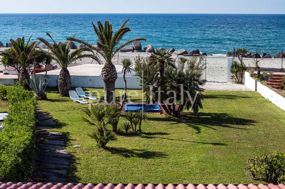 Seaside villas with direct sea access, North-east Sicily|Pure Italy - 12