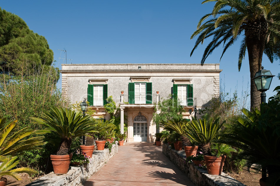 Villa Trombadore Country Villa with Pool for rent Modica Sicily - 1