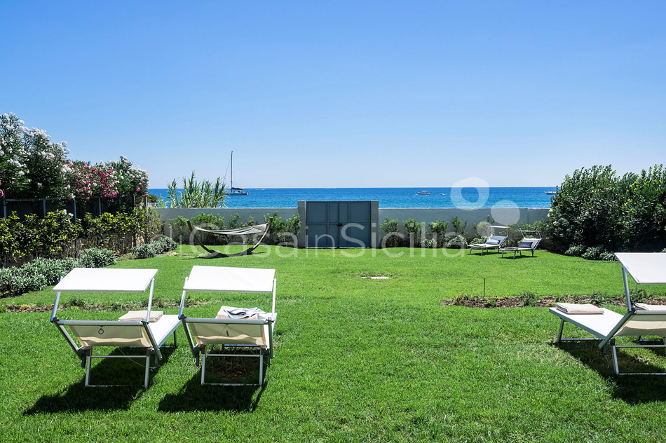 Villammare Sicily Villa Rental with Direct Sea Access Syracuse Sicily - 1
